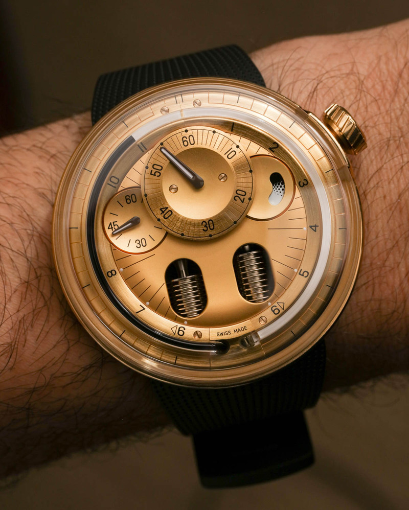 HYT H0 2N Gold Watch Hands-On